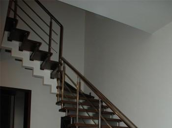 Заказать лестницу на второй этаж