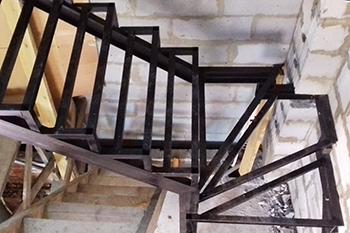 Лестницы на металлокаркасе под зашивку