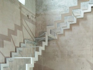 Чистовой металлокаркас под лестницу
